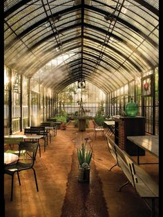 Babylonstoren's Glasshouse. Serving delicious light fresh meals.
