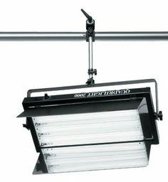 Illuminatore a 4 lampade equivalenti a 1500W senza emissione di calore.Luce perfetta per piccoli e medi studi TV, sia per posizionamento frontale che per uso in controluce. Completo di staffa orizzontale (o verticale) e alette.Completo dilampade a 5400°K o 3200°K a scelta.Normale (on-off) - cod. cod. 097Versione con interrutore on-off.Con dimmer locale - cod. 101Il dimmer locale consente la regolazione manuale dell'intensità luminosa.A controllo di fase - cod. 122A controllo di fase ...