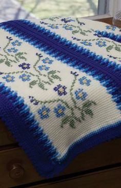 Morning Glory Afghan Free Tunisian Crochet Pattern from Red Heart Yarns