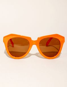 Coral geometric sunglasses for lazy days at the beach Orange You Glad, Orange Orange, Orange Crush, Burnt Orange, Eye Vitamins, Power Colors, Cool Glasses, Hair Again, Cheap Sunglasses