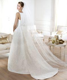 Pronovias presents the Yensen wedding dress. Atelier Pronovias 2014.   Pronovias