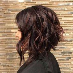Colore capelli 2018: dark mauve - Capelli corti mossi dark mauve