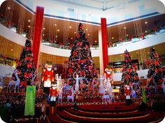 Christmas decorations at 1Borneo Shopping Mall by EssleyJane, via Flickr