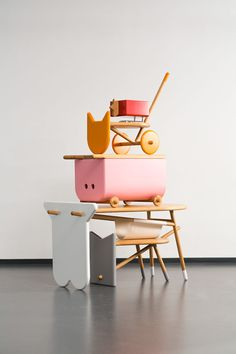 Nataša Njegovanović created a desk shaped like a cow, a toy chest in the shape of a pig, stools made to look like cats and dogs, and a pencil box designed to look like a chicken.