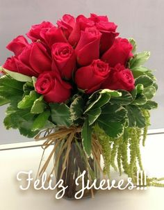 red roses flowers pretty my favorite colorful beautiful boquet of roses instapic instapretty Beautiful Roses, Beautiful Flowers, Rose Vase, Rose Arrangements, Valentines Flowers, Arte Floral, Types Of Flowers, Floral Bouquets, Flower Decorations