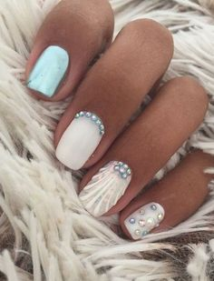 Want to know how to do gel nails at home? Learn the fundamentals with our DIY tutorial that will guide you step by step to professional salon quality nails. Cute Nails, Pretty Nails, Seashell Nails, Hair And Nails, My Nails, Vacation Nails, Diy Kit, Nails 2018, Mermaid Nails