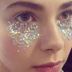 under eye glitter face festival make up look