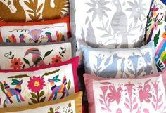 Hilos en nogada, cojines, cushions, Decoración de casa, Home decoration, embroidery, hand embroidered, textile, mexican decor, mexican food, mexican folk, folk art, Bordados Otomi, Tenango, Hidalgo