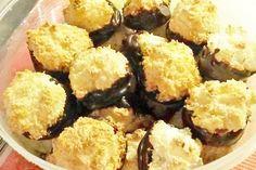 Mini-Kokoskuppeln Austrian Desserts, Buffet, Cake Cookies, Mini, Xmas, Breakfast, Ethnic Recipes, Dreams, Food