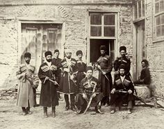 Çerkes cengâverler y.1886 İstanbulda bir gurup fotoğraf ile hatıra..