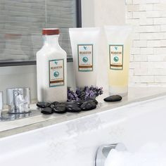 Thinking of a night in..?  Pamper yourself with this wonderful Aroma Spa Collection.....