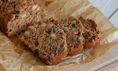 Een overheerlijk recept voor zelfgemaakt noten/rozijnenbrood op basis van speltmeel en Griekse yoghurt. Genieten van een gezond noten/rozijnenbrood recept.