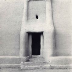 Carrie Mae Weems, 1993 Mud architecture, Djenne, Mali