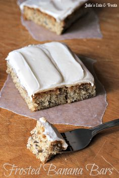 Frosted Banana Bars ~ Soft and yummy banana bars topped with a cream cheese frosting? via www.julieseatsandtreats.com