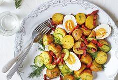 Avocado Egg, Ratatouille, Eggs, Treats, Breakfast, Ethnic Recipes, Sweet Like Candy, Morning Coffee, Goodies