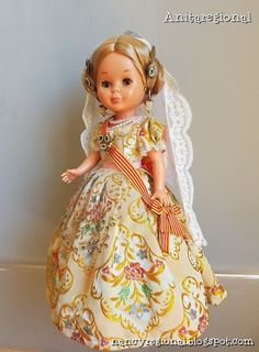Blog sobre la muñeca nancy de famosa vestida con traje regional Vestidos Nancy, Pram Toys, Nancy Doll, Doll Making Tutorials, Gotz Dolls, Wellie Wishers, Antique Dolls, Traditional Dresses, Pattern Fashion