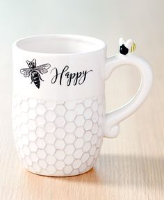 Brighten up your kitchen with the happy colors and clever sayings of this Honey Bee Kitchen Collection. Spread the Set of 4 Towels around the room. Kitchen Dishes, Kitchen Decor, Kitchen Ideas, Kitchen Themes, Lemon Kitchen, Bee Theme, Bee Happy, Kitchen Collection, Bees Knees
