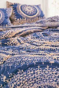 Plum & Bow Effie Medallion Comforter - Urban Outfitters#UOonCampus #UOContest