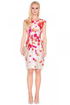 Beżowa sukienka w kwiaty - L'ame de Femme