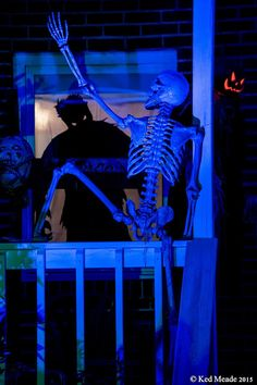 Creepy Climber! Something wicKED this way comes....: Wicked Woods Cemetery Halloween 2015