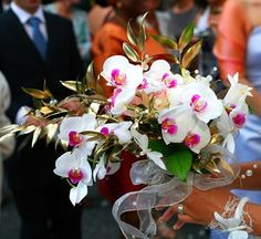'Orchid Wedding Flowers' Make a lovely impression for your Wedding...