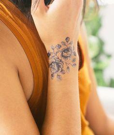 Girls Wrisat Rose Tattoo Ideas