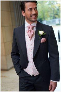 42 Trendy Wedding Suits Men Groom Attire Top Hats Source by Wedding Groom, Wedding Men, Wedding Suits, Wedding Attire, Trendy Wedding, Wedding Dresses, Gothic Wedding, Bridesmaid Dresses, Wedding Rings