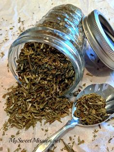 I'll show you how to dry rosemary in the oven, which is a great tip because it will keep your rosemary fresh from 1-3 years! Isn't that awesome?