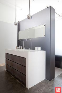 Design badkamermeubel met dubbele wasbak   badkamer ideeën   design badkamers   bathroom decor   Hoog.design