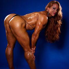 "Lindsay Mulinazzi:""I know what boyzzz like.... www.IRONFIREerotica.com HOT MUSCLE FLEXING #INSTABODYBUILER #instafitcoach #instafit! #musclegirls #femalebodybuilder #womensphysique #bikini #fitness"""
