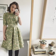 New dress, finished last night. It's a Betty with sleeves in William Morris 'Pimpernel' cotton Sew Over It, Vintage Sewing Patterns, Sewing Ideas, William Morris, Refashion, Dressmaking, Diy Clothes, Beautiful Outfits, New Dress