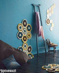Carpet made by crocheting. Virkattu matto | Kotivinkki