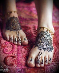 Cute henna feet from yesterday 1 Tattoo, Mehndi Tattoo, Mehndi Art, Henna Mehndi, Henna Art, Henna Tattoos, Mehndi Desing, Tattoo Designs Foot, Mehndi Designs Feet
