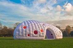 This articles is talking about top 5 high supplier for high qualit inflatable structures,such as tent,slide and shelter. Temporary Architecture, Modern Architecture, Prefabricated Houses, Unusual Homes, Curved Glass, Geodesic Dome, Sliding Glass Door, Green Building, Glamping