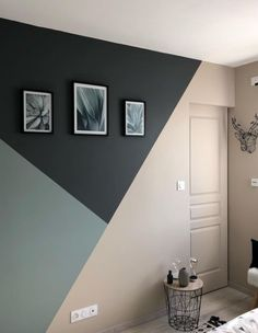 Amazing Geomatric Wall Art Paint You Can Try, If you're home is craving an interior pick-me-up, look to the walls as a place to make a statement. Geometric style brought the ~cool~ back to… Room Wall Painting, Room Paint, Bedroom Wall Paints, Faux Painting Walls, Painted Walls, Wall Paintings, Painted Wood, Painting Art, Bedroom Wall Designs