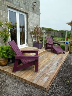 Recycled timber pallet deck