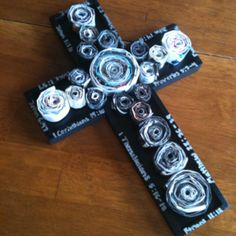 Recycled magazine cross with my life verses on it ! Magazine Cross, Home Crafts, Diy Crafts, Mandala, Recycled Magazines, Cross Art, Paper Jewelry, Xmas Ornaments, Paper Recycling