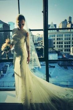 Christina Ricci weds in custom Givenchy Haute Couture wedding dress #famousweddings #celebrityweddings