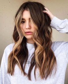 Hair Color Streaks, Hair Color Shades, Hair Color Balayage, Cool Hair Color, Honey Balayage, Hair Color Caramel, Caramel Highlights, Dark Caramel Hair, Chunky Highlights