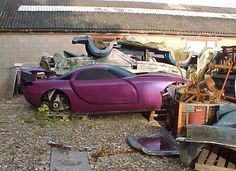OMG - what I would do to restore this little beauty!~!