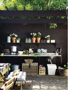 Arbeitsfläche im Garten