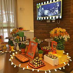 Decoração e peças: www.conka.com.br  FESTA BOTECO FUTEBOL CHOPP 40 ANOS HOMEM ATLÉTICO MINEIRO LOUÇA ALUGUEL LOCAÇÃO PRATO DE BOLO AMARELO LARANJA PRETO BRANCO DECORAÇÃO DECOR PARTY ADULTO ANIVERSÁRIO SALÃO DE FESTAS