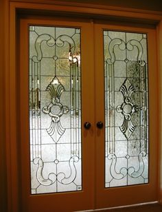 Double Doors with clear infinity knot and faceted jewel in center and complex fan bevels up and down; framed with double pencil bevels and ornate accents top and bottom Leaded Glass Windows, Glass Panels, Glass Doors, Door Panels, Stained Glass Rose, Stained Glass Designs, Door Design Interior, Interior Doors, Wooden Sash Windows