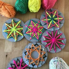 For lots of fun craft activity inspiratio… Colourful woven yarn star decorations. For lots of fun craft activity inspiration to make with your kids visit the Mini mad Things website. Fun Arts And Crafts, Kids Crafts, Craft Projects, Diy And Crafts, Jar Crafts, Christmas Time, Christmas Crafts, Decoration Christmas, Star Decorations