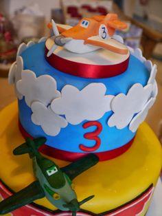 Birthday Cake Designs Disney Planes 3rd Birthday Cakes, Third Birthday, 3rd Birthday Parties, Birthday Ideas, Disney Planes Party, Disney Planes Birthday, Chuggington Cake, Diy Party Themes, Party Ideas