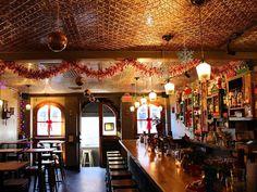 10 Christmas Decoration Ideas For Restaurant Restaurant Decor Restaurant Architecture Design