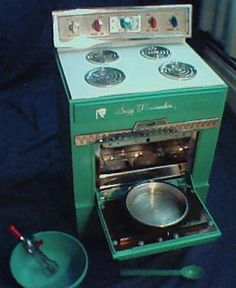 1966 Suzy Homemaker oven -