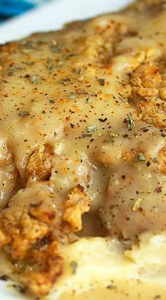 The BEST Chicken Fried Steak recipe online! This country fried steak is crunchy, crispy, and beyond flavorful. Cube steak recipes are taken to new heights. Cube Steak Recipes, Meat Recipes, Chicken Recipes, Cooking Recipes, Chicken Fried Chicken, Recipies, Cuban Recipes, Paula Deen Chicken Fried Steak Recipe, Chicken Fried Steak Gravy