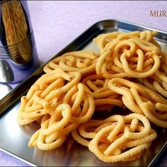 Easy pottukadalai murukku recipe with step by step pictures! Can be made instantly with easily available ingredients!