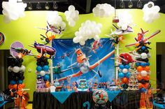 Birthday Table, First Birthday Parties, Birthday Party Themes, Boy Birthday, Themed Parties, Disney Planes Party, Disney Planes Birthday, Airplane Party, Party Themes For Boys